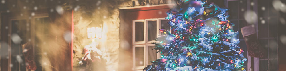 Tis the Season to Install Christmas Lights Safely, Youngs Insurance, Ontario
